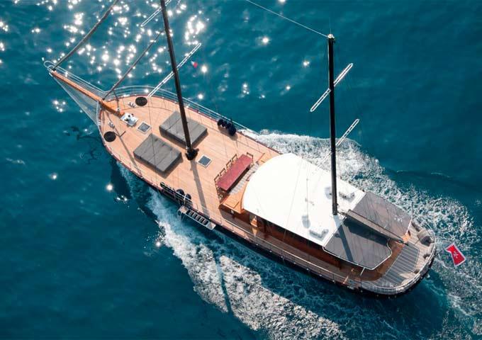 Navegando en un Viaje de vacaciones en Goleta