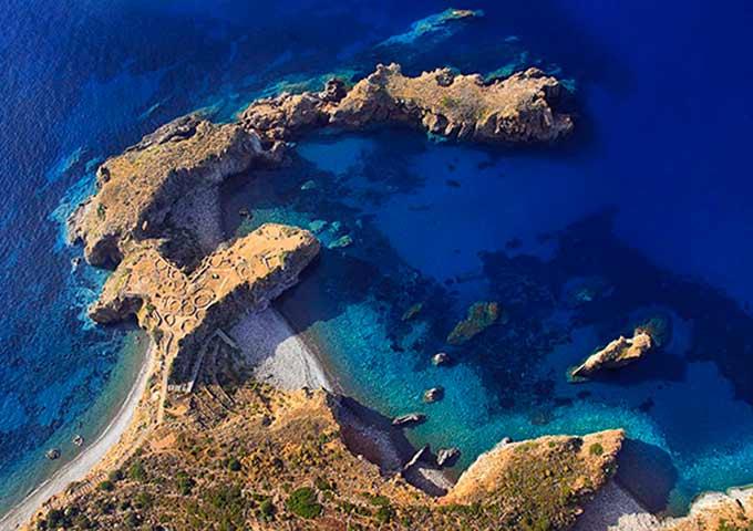 Cala Junco Viaje de Vacaciones en Velero a Sicilia