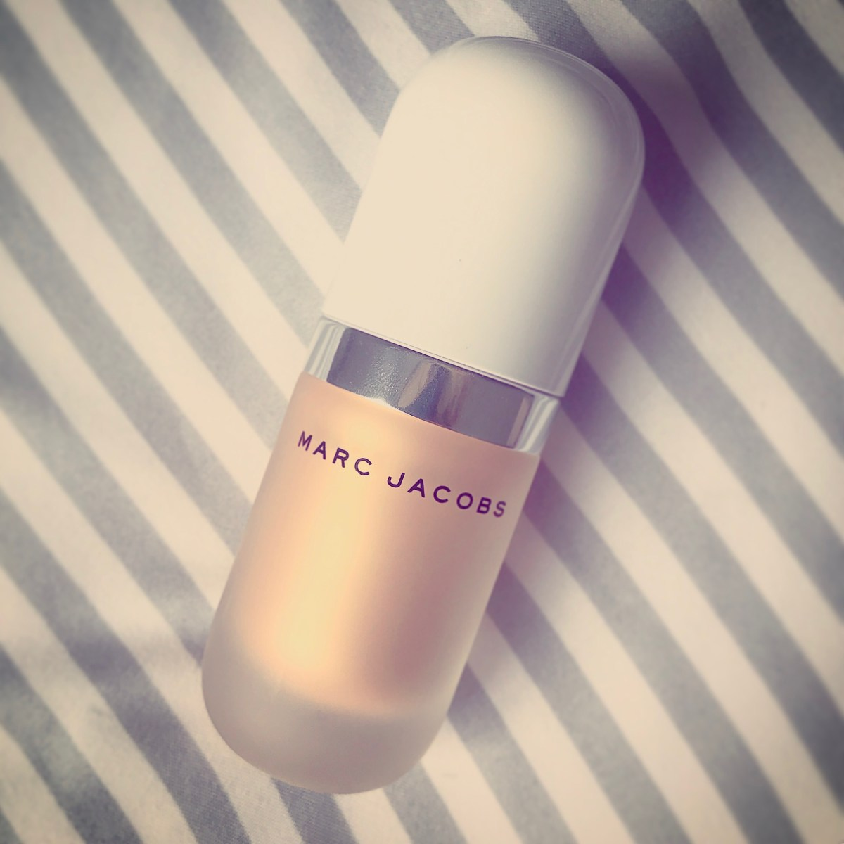 Coconut Glow - Marc Jacobs