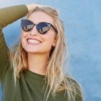 Encontre o modelo perfeito de óculos de Sol e de grau