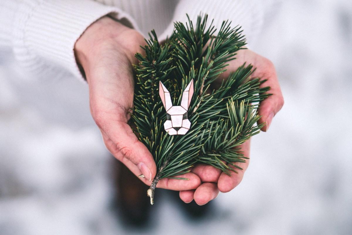 Dřevěná brož - Dear bunny
