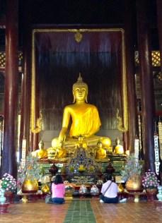 Inside the very famous Wat Phra Sing