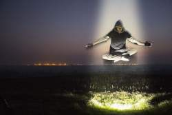 Arti Mimpi Terbang ke Langit Menurut Primbon Jawa