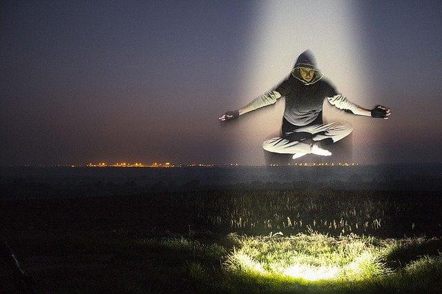 Kenali setelah bangun tidur dengan Arti Mimpi Terbang ke Langit Menurut Primbon Jawa. Berikut makna mimpi terbang ke atas langit.