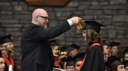 Arti Mimpi Lulus Sekolah dan Kuliah dengan Pesta Kelulusan