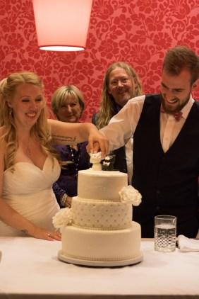Victor og Mayas Bryllup - bryllupskage