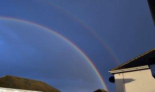 DSC_0227_rainbow_walking