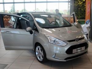 Ford B-max, den lilla familjebilen.