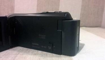 Sony-PJ330-3