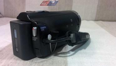 Sony-PJ330-4