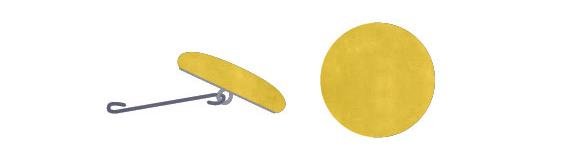Vaskevejledning trin 2 - Fjern både knapper og metalkrog, før du smider puden i vaskemaskinen.