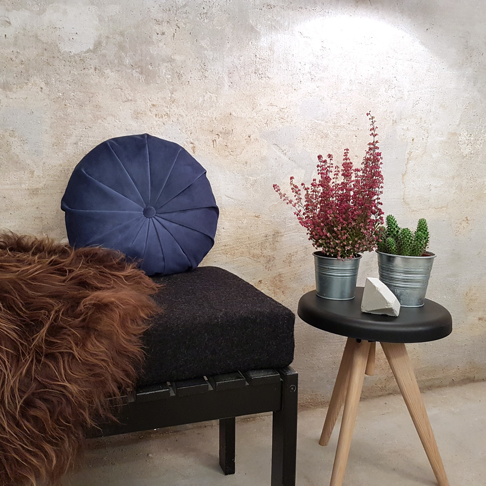 Get ready for winter - with beautiful velvet cushions.