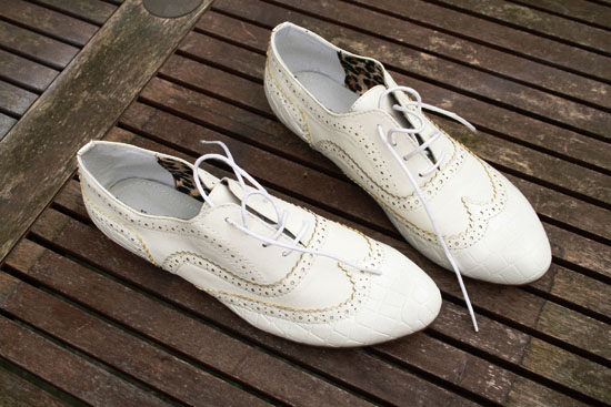 diy vintage painted shoes white