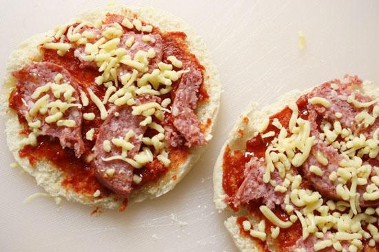 recipa sweet pita bread pizza before