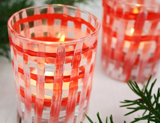 DIY project: How to make tea lights with a cute plaid pattern for Christmas! #DIY #Craft #Christmas