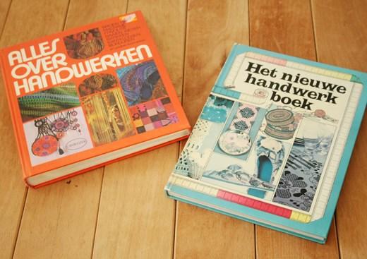Vintage craft books with macrame tutorials!