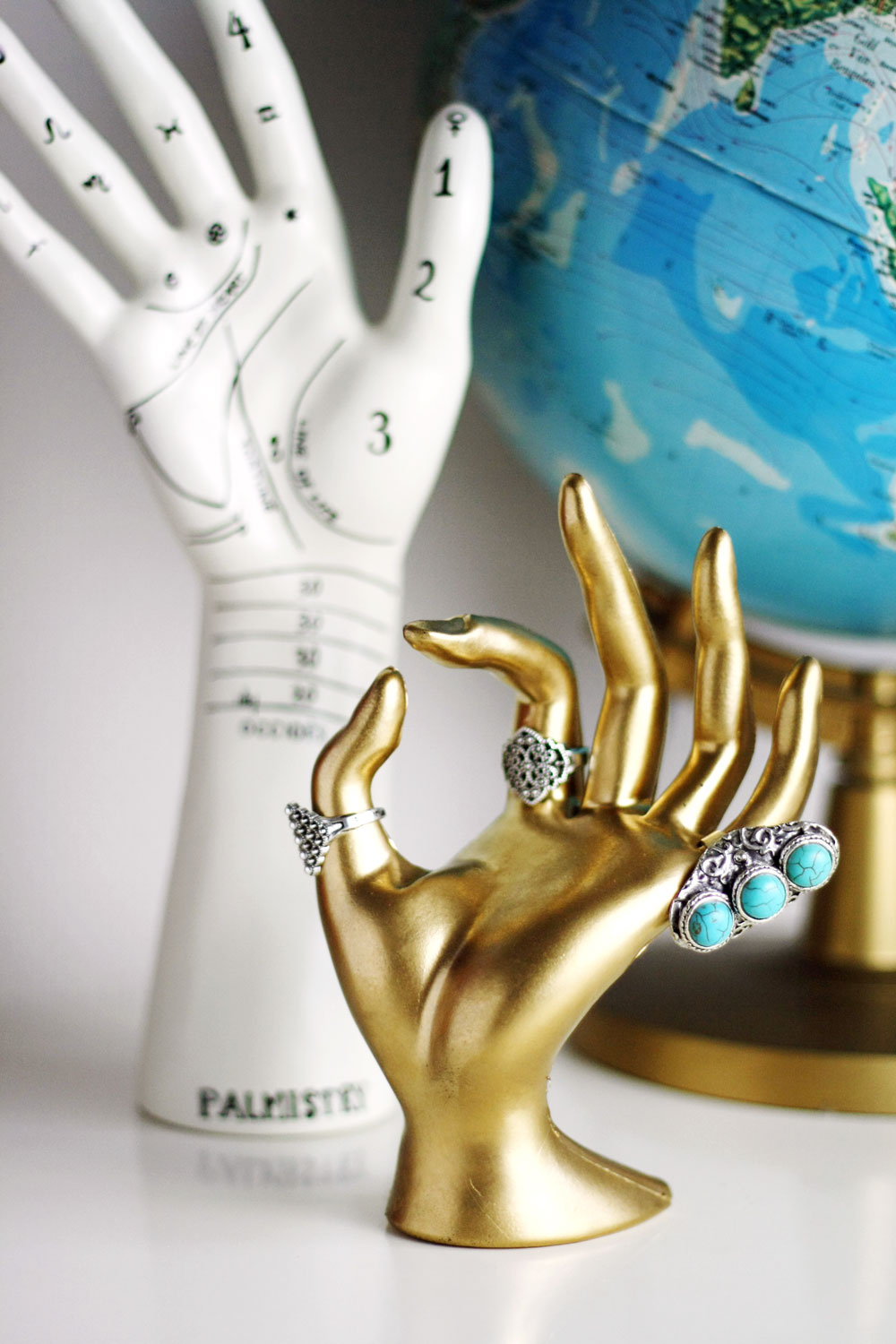 DIY - Gold hand jewelry stand
