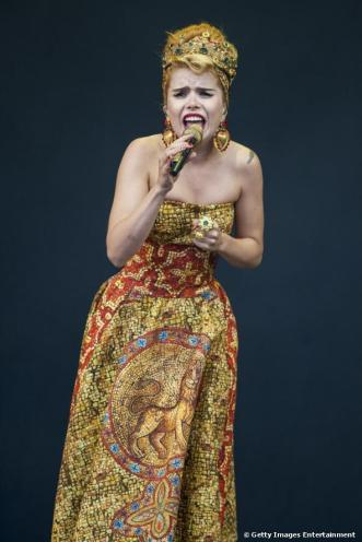 image: http://www.celebrityredcarpet.co.uk/media/paloma-faith-performs-on-day-1-of-the-v_m15186