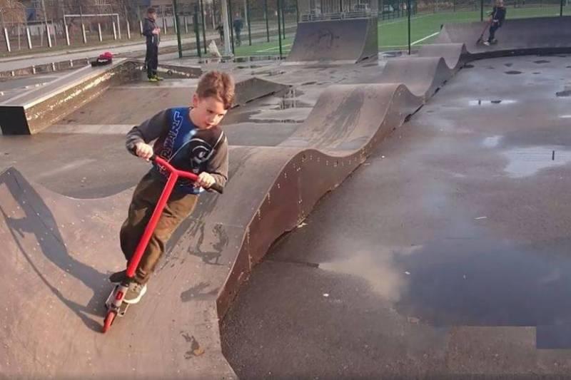 Навіть діти в Переяславі вже не вірять діючій владі і почали будувати скейт парк власноруч
