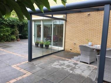 Glazen schuifwanden veranda