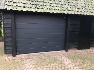 Sectionaal deuren geplaatst