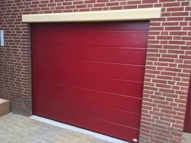 Sectionaal deur rood