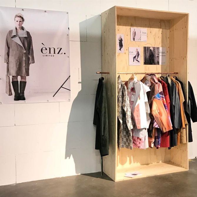Enz Limited jassen van gerecyclede materialen bij C-More Concept Store
