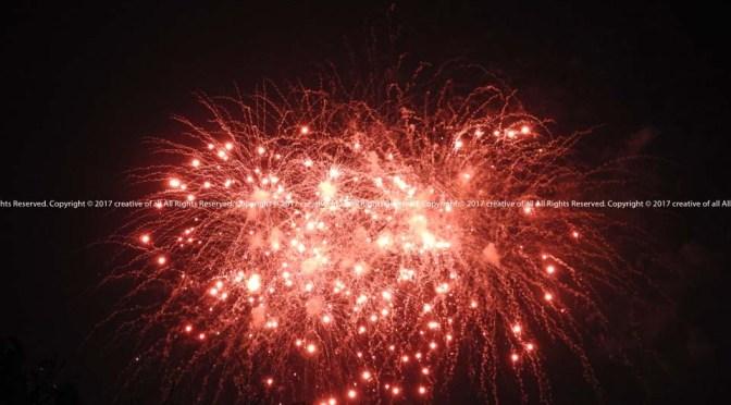 夏の終わり? 三好稲荷閣大提灯まつりの花火。