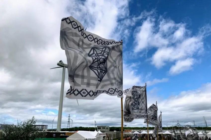 ライジングサン2019の旗