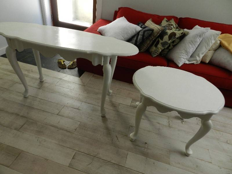 White, Wood End Table Antique