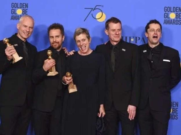 ایوارڈز تقریب میں تمام فنکار سیاہ لباس پہن کر شریک ہوئے؛ فوٹوفائل