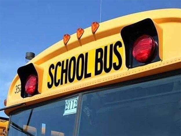 اسکول بس میں کوئی کیمرا نہ ہونے پر عدالت نے اسکول انتظامیہ پر جرمانہ عائد کردیا ہے، فوٹو:فائل