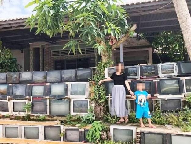 ویت نام میں پرانے ٹی وی سیٹ سے بنی مکان کی دیوار غیر معمولی طور پر مقبول ہورہی ہے (فوٹو ویت نام ٹائمز)