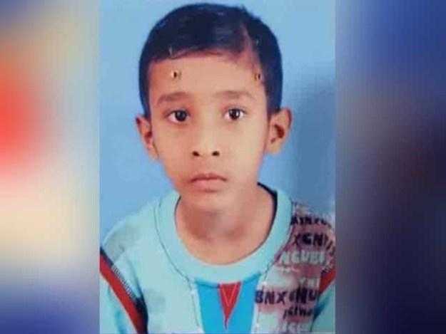 بچے نے اپنی بیماری سے دلبرداشتہ ہوکر خود کشی کی، پولیس حکام: فوٹو:ایکسپریس