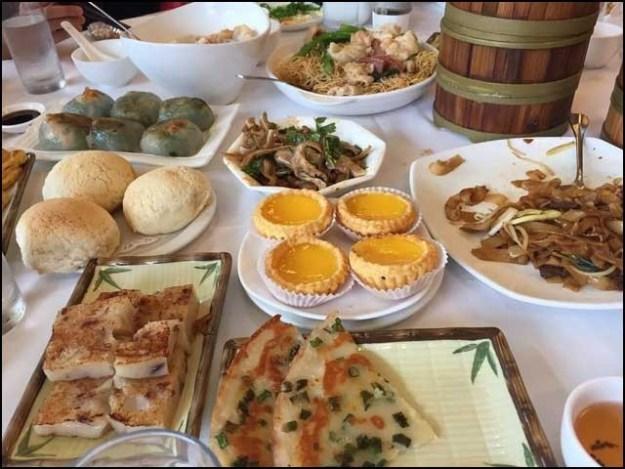 چین میں میگی ریستوران نے 20 ڈشوں کا بل 58 ہزار ڈالر اور سروس چارجز 5 ہزار ڈالربنایا ہے۔ (فوٹو: انٹرنیٹ)