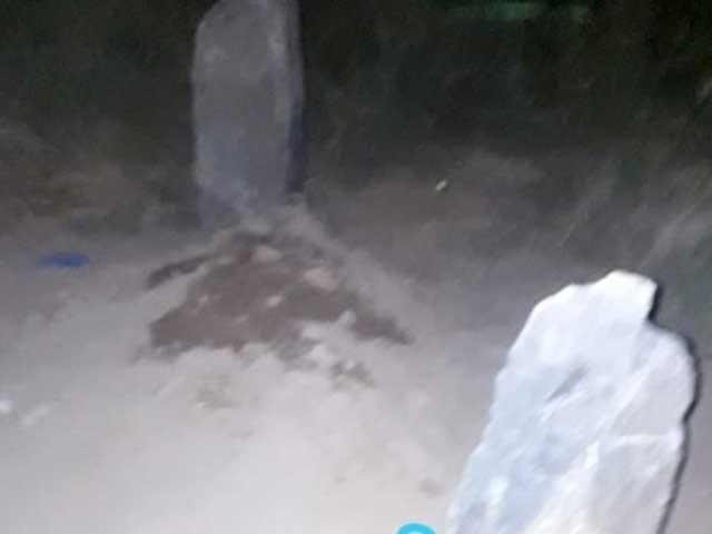 پشاورمیں غیرت کے نام پرلڑکا لڑکی قتل؛ کفن اورجنازے کے بغیرتدفین کا انکشاف