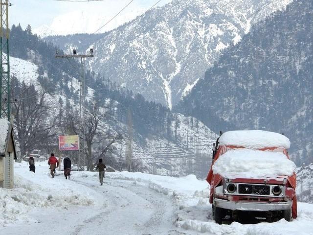 خیبر پختونخوا کے مختلف علاقوں میں موسم سرما کی پہلی برفباری