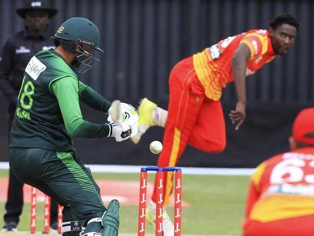 پاکستان اورزمبابوے کے کھلاڑیوں سمیت آفیشلزکے کورونا ٹیسٹ کی رپورٹس منفی آگئیں