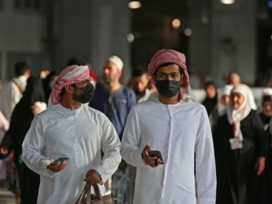 آئندہ برس اختتام تک پہنچنے والے کوورنہ ویکسین لگادی جائیں ، سعودی وزیر صحت (فوٹو: فائل)