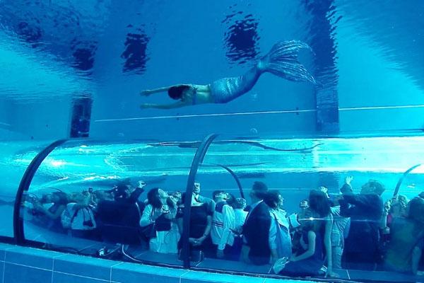دنیا کا سب سے گہرا تیراکی کا پول 2