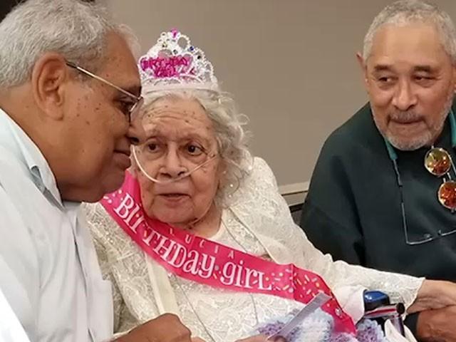 امریکا میں 105 سالہ خاتون نے ویکسین کی مدد سے کورونا کو شکست دیدی