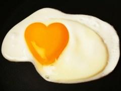 کیا انڈے کھانے سے واقعی کولیسٹرول بڑھتا ہے؟