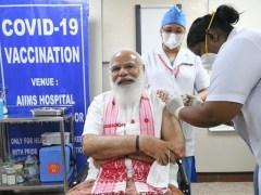بھارتی وزیراعظم نے بھی کورونا ویکسین لگوا لی