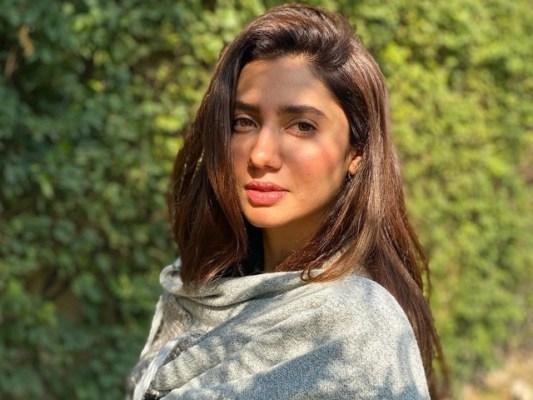 میرے چہرے پر تل کی درست تعداد بتانے والے کو پوائنٹس دوں گی، ماہرہ خان (فوٹو : فائل)