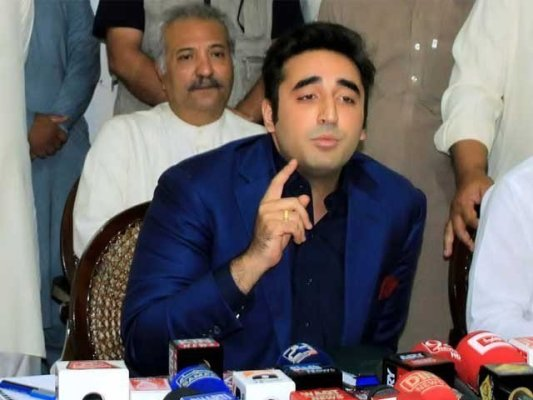 عمران خان مہنگائی پر قابو نہ پانے کی ذمہ داری لیں اور استعفی دے کر گھر جائیں، بلاول بھٹو۔ فوٹو:فائل