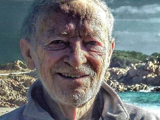 اطالوی شخص نے 32 سال ایک جزیرے پر گزارنے کے بعد یہاں سے کوچ کرنے کا ارادہ کرلیا ہے۔ فوٹو: گارجیئن