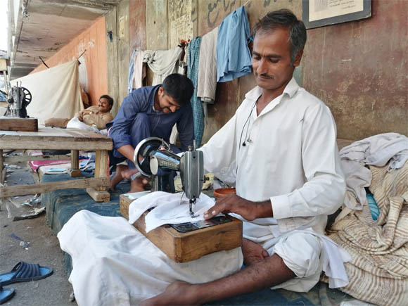 Karachi tailor Master suit only 250 rupees 3