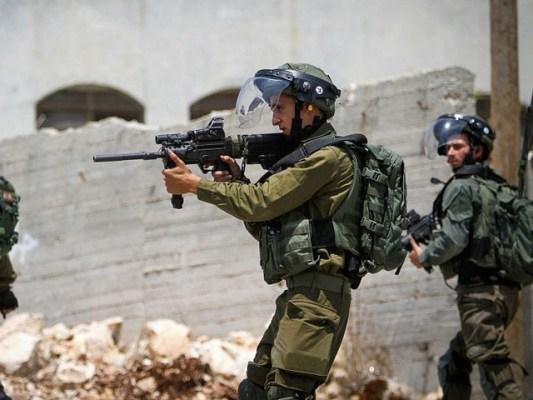 مسلح نوجوانوں نے فوجی اڈے میں داخل ہونے کی کوشش کی تھی، پولیس کا دعویٰ (فوٹو: فائل)