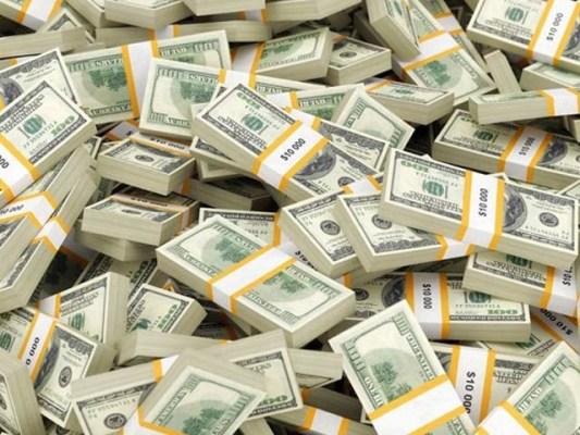 26 ارب ڈالر اثاثے والی کمپنی کے مالک وینگ چِنگ نے 1100 سال قدیم نظم پوسٹ کی جس کے بعد ان کی کمپنی کو ڈھائی ارب ڈالر نقصان سہنا پڑا ہے۔ فوٹو: فائل