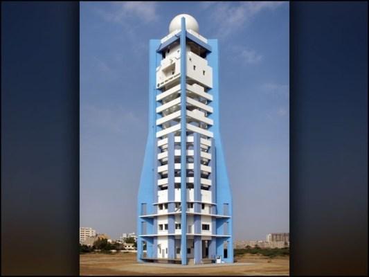 تیس سال قبل کراچی شہر میں نصب کیے گئے اینالاگ ریڈار کی جگہ یہ جدید ڈیجیٹل ریڈار نصب کیا گیا ہے۔ (فوٹو: محکمہ موسمیات پاکستان)